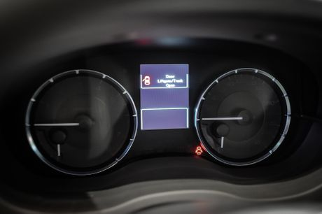 Subaru Levorg - xe 5 cho gia gan 1,5 ty tai Viet Nam - Anh 7