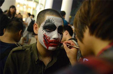 Halloween: Tan huong ngay hoi hoa trang the nao vui nhat? - Anh 1