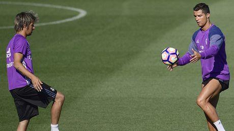 Ronaldo noi dien, don nga va suyt tan ban than - Anh 1