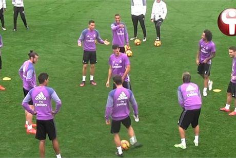 Ronaldo noi dien, don nga va suyt tan ban than - Anh 2