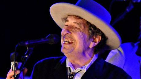 Bob Dylan noi ve giai Nobel Van hoc sau hon 2 tuan im lang - Anh 1