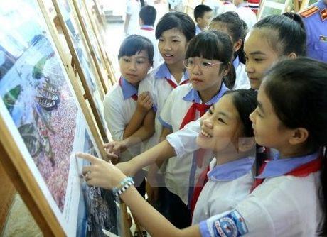 Phu Tho 'hut khach' voi trien lam ve ASEAN - Anh 1