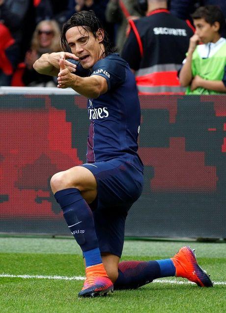 CAP NHAT sang 29/10: Mourinho: 'Thua 0-4 con hon la thua 4 tran 0-1'. Ronaldo 'beo' khien Barca chanh long - Anh 1
