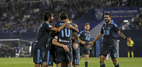 CAP NHAT sang 29/10: Mourinho: 'Thua 0-4 con hon la thua 4 tran 0-1'. Ronaldo 'beo' khien Barca chanh long - Anh 2