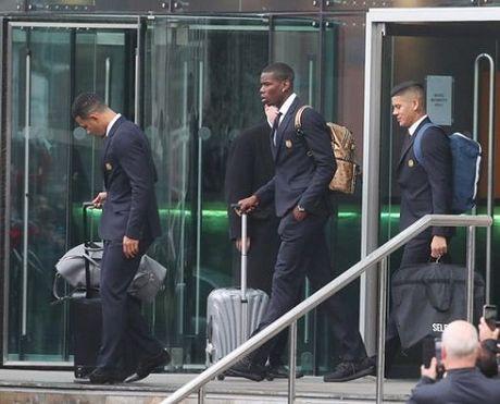 TRUC TIEP Premier League: Aguero lap cu dup cho Man City. Ibrahimovic bo lo co hoi ghi ban (Hiep 1) - Anh 13