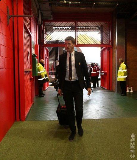 TRUC TIEP Premier League: Aguero lap cu dup cho Man City. Ibrahimovic bo lo co hoi ghi ban (Hiep 1) - Anh 9