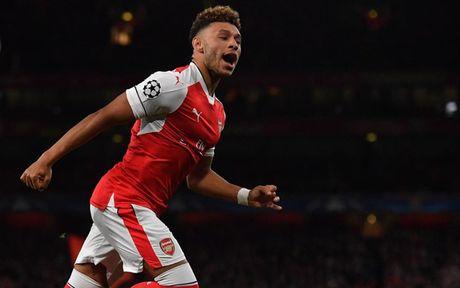Doi hinh manh me de Arsenal 'bat nat' Sunderland - Anh 7