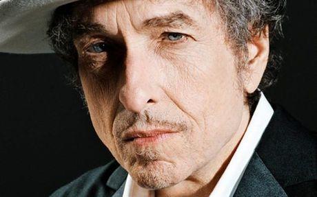 Bob Dylan lan dau tien len tieng ve giai Nobel Van hoc - Anh 1