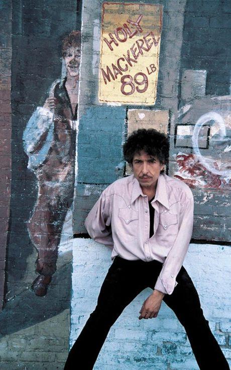 Bob Dylan lan dau tien len tieng ve giai Nobel Van hoc - Anh 6