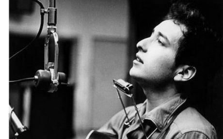Bob Dylan lan dau tien len tieng ve giai Nobel Van hoc - Anh 7