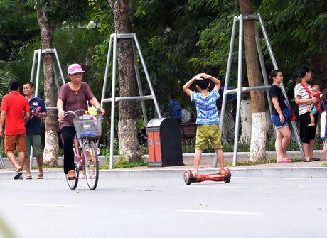 Pho di bo Ho Guom hay pho xe dien can bang? - Anh 7