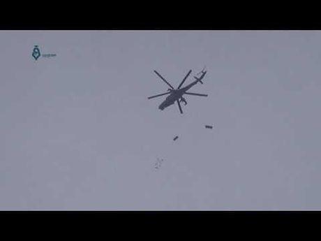 May bay nem bom khong co doi thu tu NATO - Anh 1