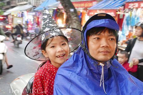 Gioi tre sam do ky di tren pho thoi trang Haloween Hang Ma - Anh 10