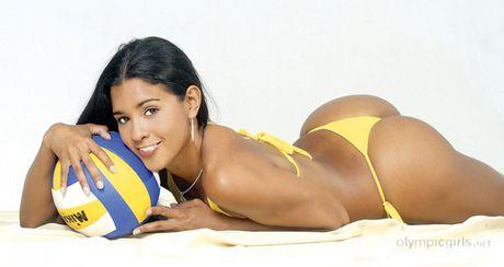 Rocio Miranda - nu van dong vien bong chuyen boc lua cua Peru - Anh 5