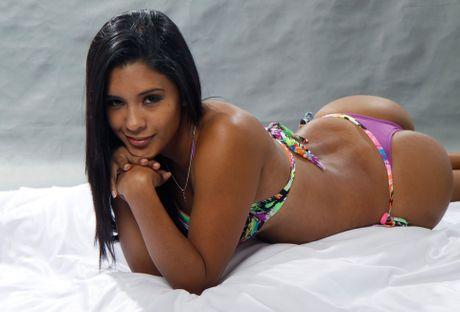 Rocio Miranda - nu van dong vien bong chuyen boc lua cua Peru - Anh 9