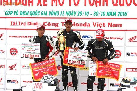 Hon 50 xe may Honda Viet 'dua nong' tai Binh Duong - Anh 15