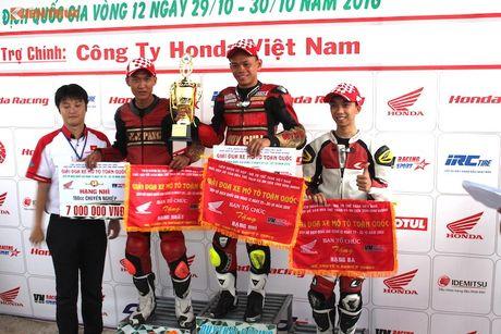 Hon 50 xe may Honda Viet 'dua nong' tai Binh Duong - Anh 17