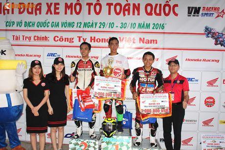 Hon 50 xe may Honda Viet 'dua nong' tai Binh Duong - Anh 18