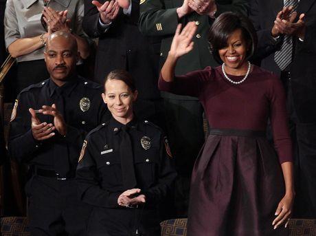 Ngam phong cach thoi trang hang hieu cua phu nhan ong Obama - Anh 4