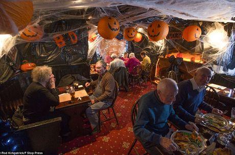 Khong khi ron rang le hoi Halloween tren khap the gioi - Anh 15