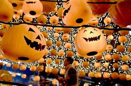 Khong khi ron rang le hoi Halloween tren khap the gioi - Anh 8