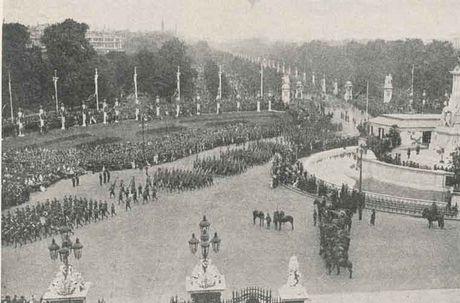 Anh cuc gia tri ve 'Ngay hoa binh' o London 1919 - Anh 5