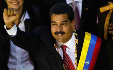 Venezuela chim sau trong khung hoang - Anh 2