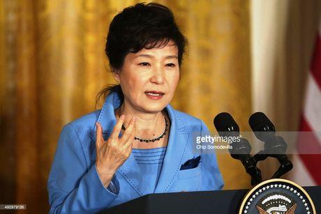Tong thong Han Quoc Park Geun-Hye truoc suc ep tu chuc lon - Anh 5