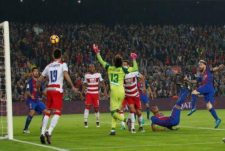Ronaldo lap hat-trick, Real len ngoi dau - Anh 5