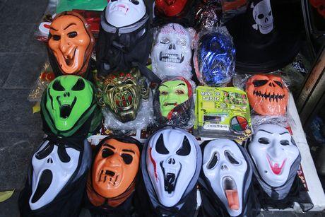 Do kinh di, bao luc tran lan truoc them Halloween - Anh 2