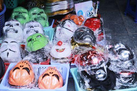 Do kinh di, bao luc tran lan truoc them Halloween - Anh 3