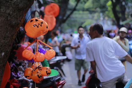Do kinh di, bao luc tran lan truoc them Halloween - Anh 7