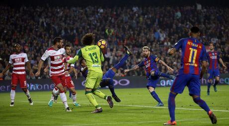 Real Madrid loi nguoc dong, Barcelona toat mo hoi - Anh 1