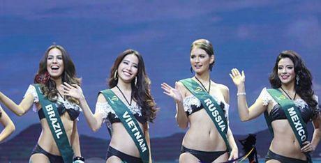 Nam Em gap su co phien dich, dung chan o Top 8 Hoa hau Trai dat - Anh 2