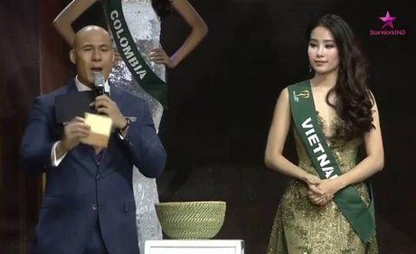 Nam Em gap su co phien dich, dung chan o Top 8 Hoa hau Trai dat - Anh 7