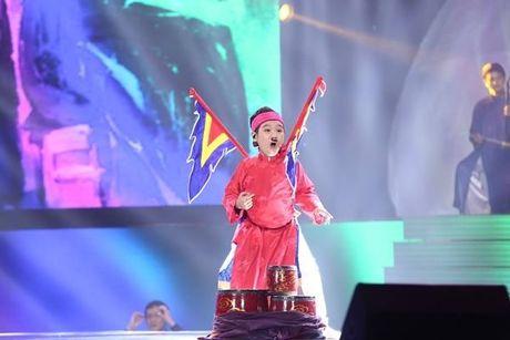 Nhat Minh xuat sac dang quang Quan quan Giong hat Viet Nhi 2016 - Anh 5