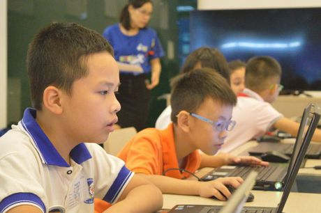 25 hoc sinh Ha Noi se du thi lap trinh quoc te WeCode 2016 tai Indonesia - Anh 4