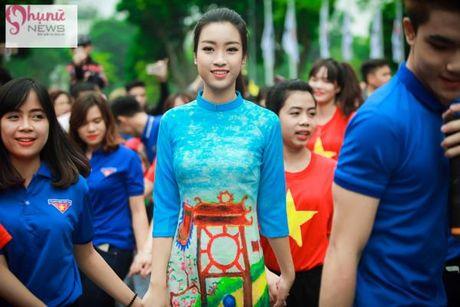 Do sac loat nguoi dep Hoa hau, A hau Viet Nam khi cung dien ta ao dai - Anh 7