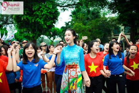 Do sac loat nguoi dep Hoa hau, A hau Viet Nam khi cung dien ta ao dai - Anh 8