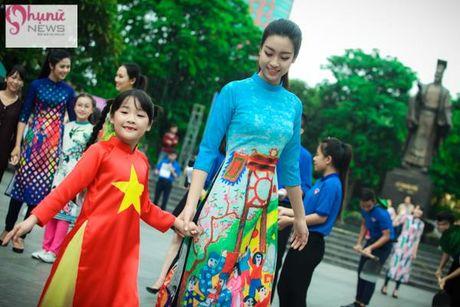 Do sac loat nguoi dep Hoa hau, A hau Viet Nam khi cung dien ta ao dai - Anh 9