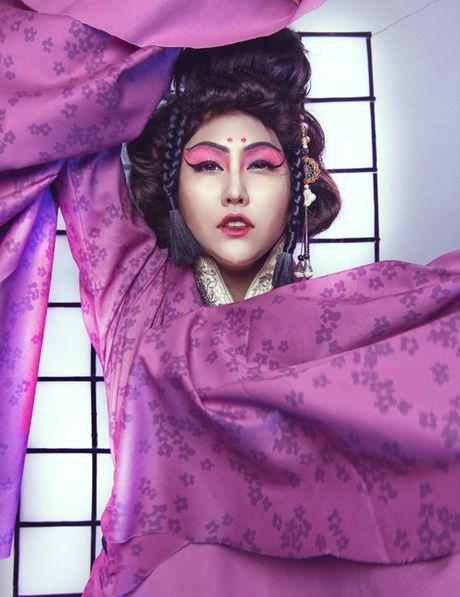 Phi Thanh Van dien kimono, hoa nang geisha - Anh 2