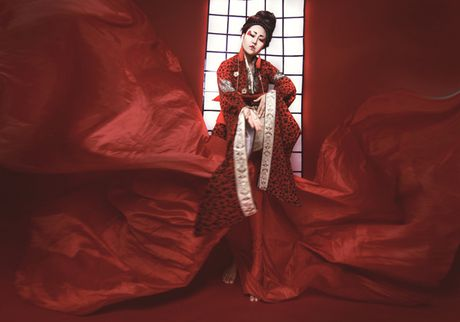 Phi Thanh Van dien kimono, hoa nang geisha - Anh 7