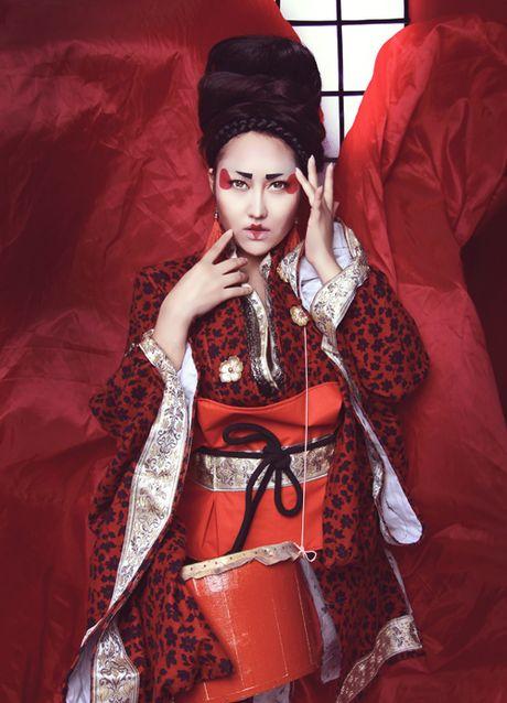 Phi Thanh Van dien kimono, hoa nang geisha - Anh 8
