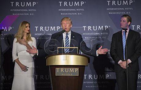 Bau cu My 2016: Ty phu Trump thu hep khoang cach voi ba Clinton - Anh 1