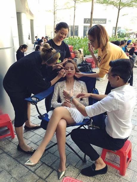 Hoang Thuy Linh - nang Chun Song Yi dich thuc cua showbiz Viet - Anh 13