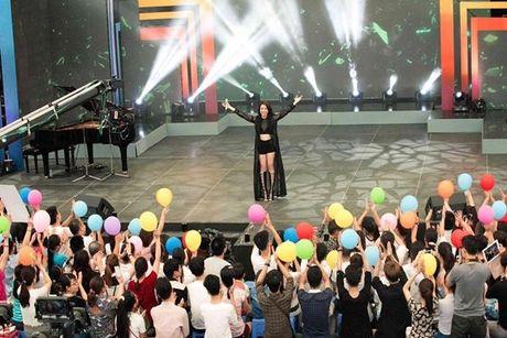 Hoang Thuy Linh - nang Chun Song Yi dich thuc cua showbiz Viet - Anh 20