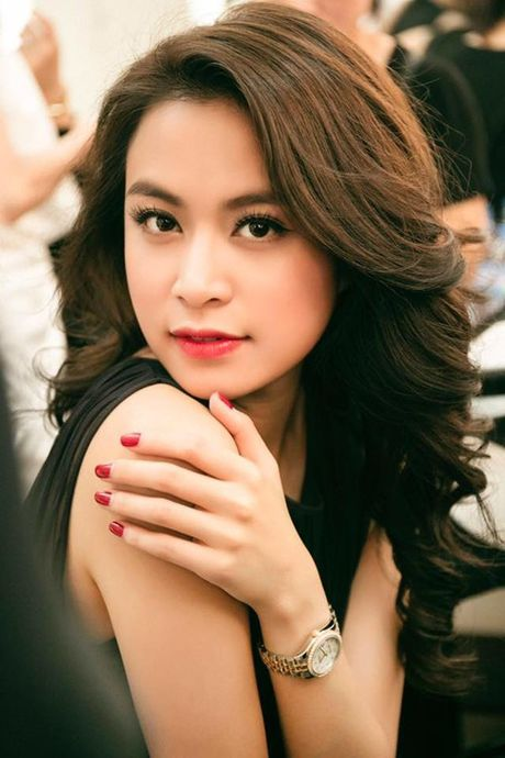Hoang Thuy Linh - nang Chun Song Yi dich thuc cua showbiz Viet - Anh 3