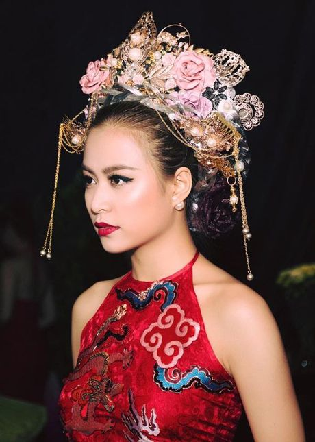 Hoang Thuy Linh - nang Chun Song Yi dich thuc cua showbiz Viet - Anh 4