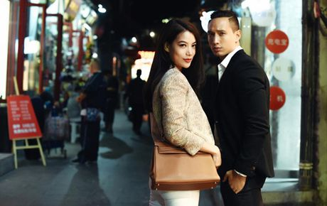 Fan chen lan, ngat xiu vi Noo Phuoc Thinh; Nam Em truot top 4 Miss Earth vi loi phien dich - Anh 9