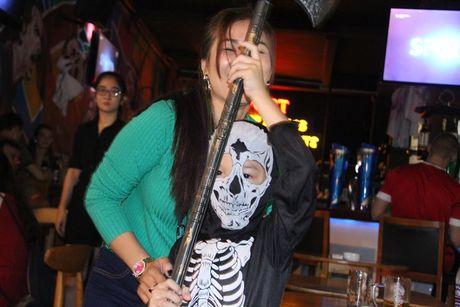 'Thay ma' xinh dep nao dong pho Tay, nguoi Sai Gon giat minh trong Halloween - Anh 6